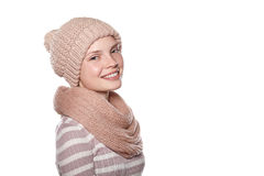 Retrato de la muchacha sonriente joven en el fondo blanco Fotos de archivo libres de regalías