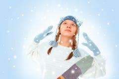 Retrato de la muchacha sorprendida en ropa del invierno Foto de archivo libre de regalías