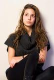 Retrato de la muchacha triguena joven hermosa. Fotografía de archivo libre de regalías