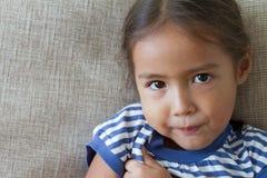 Retrato de la muchacha triste e infeliz, mostrando la sensación negativa Fotos de archivo libres de regalías