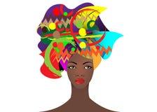 Retrato de la mujer africana joven en un turbante colorido La moda del Afro del abrigo, Ankara, Kente, kitenge, las mujeres afric Imagenes de archivo
