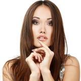 Retrato de la mujer de la belleza de la muchacha adolescente hermoso con hai marrón largo Imagen de archivo libre de regalías