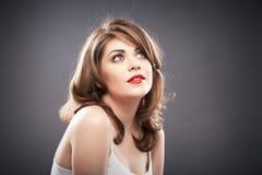 Retrato de la mujer con el pelo del bigudí Fotografía de archivo