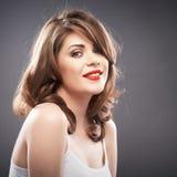 Retrato de la mujer con el pelo del bigudí Imagenes de archivo