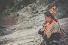 Retrato de la mujer de Kalasha Fotografía de archivo libre de regalías