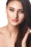 Retrato de la mujer de la belleza del goce alegre hermoso de la muchacha adolescente con el pelo marrón largo y la piel limpia ais Imagen de archivo