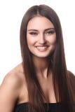 Retrato de la mujer de la belleza del goce alegre hermoso de la muchacha adolescente con el pelo marrón largo y la piel limpia ais Fotos de archivo