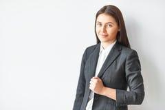 Retrato de la mujer de negocios hermosa Imágenes de archivo libres de regalías