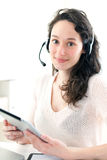 Retrato de la mujer de negocios joven que trabaja en casa Foto de archivo libre de regalías