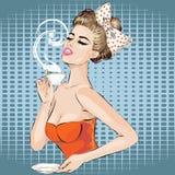 Retrato de la mujer del arte pop con la taza de la mañana de té Muchacha Pin-para arriba Imagenes de archivo