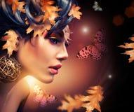Retrato de la mujer del otoño Fotos de archivo