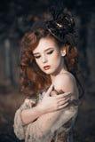 Retrato de la mujer del otoño de la belleza Imágenes de archivo libres de regalías