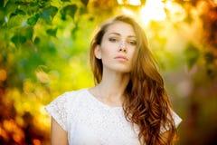 Retrato de la mujer del verano foto de archivo libre de regalías