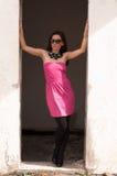 Retrato de la mujer elegante con las gafas de sol Fotografía de archivo