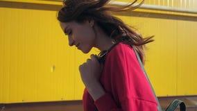 Retrato de la mujer hermosa almacen de video
