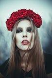Retrato de la mujer hermosa de la moda en la naturaleza Modo puro de la belleza Fotos de archivo libres de regalías