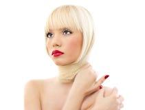 Retrato de la mujer hermosa joven con los labios rojos Fotografía de archivo