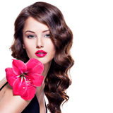 Retrato de la mujer hermosa joven con una piel sana del fac Foto de archivo libre de regalías