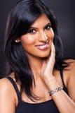 Mujer india sonriente Imagen de archivo libre de regalías
