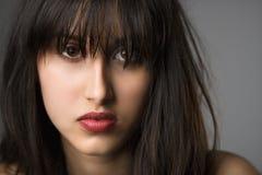 Retrato de la mujer joven. fotos de archivo