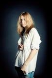 Retrato de la mujer joven atractiva Imagen de archivo libre de regalías