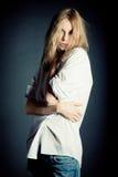 Retrato de la mujer joven atractiva Fotografía de archivo