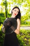 Retrato de la mujer joven atractiva Imágenes de archivo libres de regalías