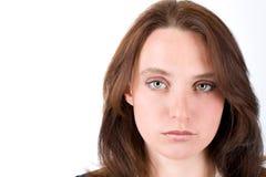 Retrato de la mujer joven con los ojos verdes grandes Imagen de archivo