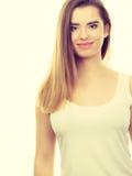 Retrato de la mujer joven del adolescente con el pelo marrón largo Foto de archivo