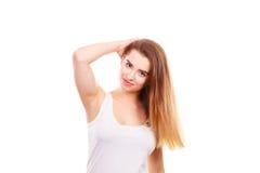 Retrato de la mujer joven del adolescente con el pelo marrón largo Imagenes de archivo