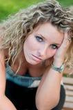 Retrato de la mujer joven deprimida Foto de archivo libre de regalías