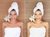 Retrato de la mujer joven en un balneario, mintiendo en ella detrás, sonriendo, wi imagenes de archivo