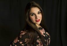 Retrato de la mujer joven hermosa Fotos de archivo libres de regalías