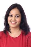 Retrato de la mujer joven india alegre Fotos de archivo libres de regalías