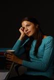 Retrato de la mujer que soña despierto Foto de archivo libre de regalías