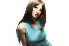 Retrato de la mujer sexual joven con el pelo castaña-coloreado Fotos de archivo