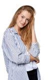 Retrato de la mujer sonriente alegre joven Foto de archivo libre de regalías