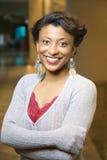 Retrato de la mujer sonriente del African-American Imagen de archivo libre de regalías