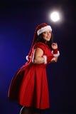 Retrato de la Navidad de la mujer joven del tamaño extra grande hermoso Fotografía de archivo libre de regalías