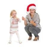 Retrato de la Navidad del baile de la madre y del bebé Fotos de archivo libres de regalías