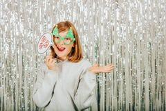 Retrato de la Navidad de la niña linda Imágenes de archivo libres de regalías