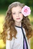 Retrato de la niña al aire libre imágenes de archivo libres de regalías