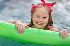 Retrato de la niña al aire libre fotografía de archivo libre de regalías