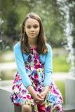 Retrato de la niña al aire libre en el verano Foto de archivo libre de regalías