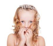 Retrato de la niña bonita tímida fotografía de archivo