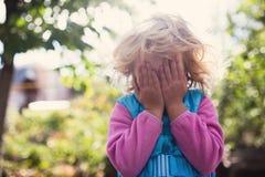 Retrato de la niña rubia linda Foto de archivo libre de regalías