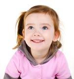 Retrato de la niña sonriente feliz imagenes de archivo