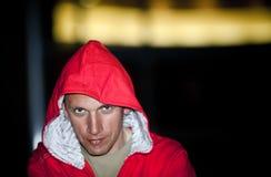 Retrato de la noche del hombre joven con estilo Imagen de archivo libre de regalías
