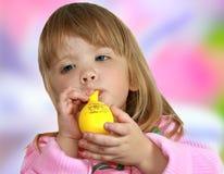 Retrato de la pequeña muchacha fotografía de archivo libre de regalías