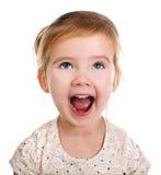 Retrato de la pequeña muchacha de griterío foto de archivo